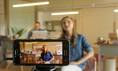 ta-bra-bilder-med-mobil-kamera-hjalp-med-hemsida-anna-bergman-webbdesign